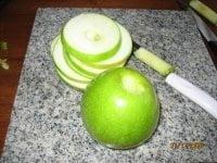 preparing-apples-for-apple-fritter