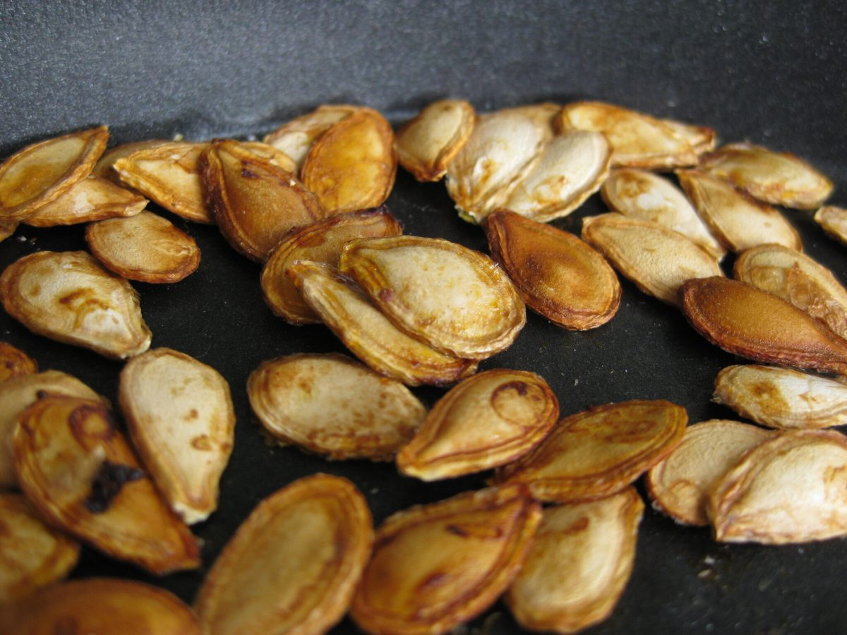roasting pumpkin seeds at home